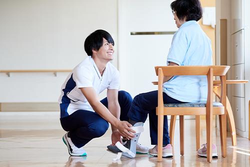 病院で活躍する介護職2